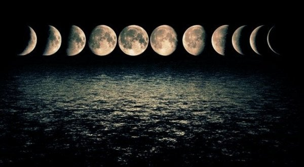 different phases of the moon influence our emotions