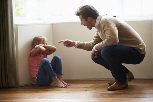 little girl experiencing verbal abuse in childhood