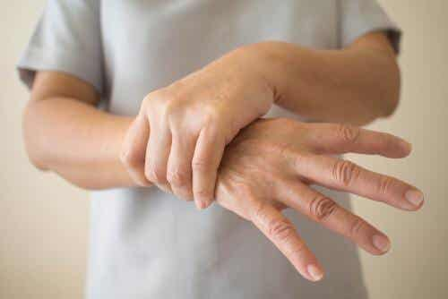 7 Signs of Early Onset Parkinson's Disease