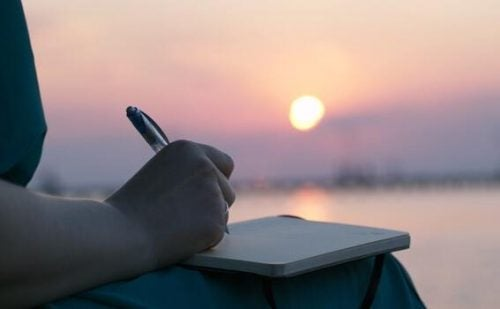 Writing your thoughts can help ease emotional pain