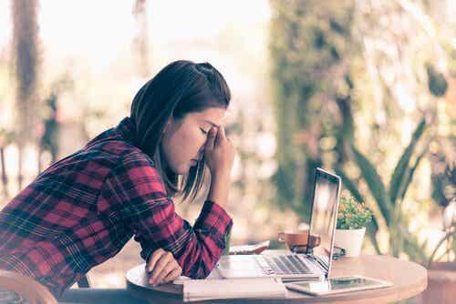 Managing Frustration Positively: 5 Essential Tips