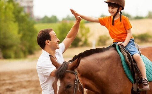 6 Benefits of Equine-Assisted Therapy