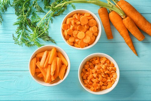 carrots in bowls