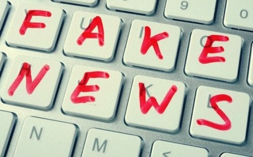 Noam Chomsky on Fake News and Post-Truth