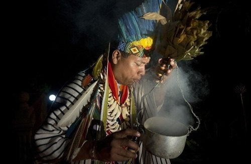 man performing ritual susto