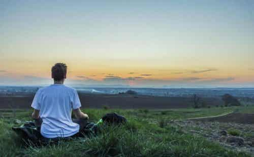 How to Keep Your Mind From Wandering During Meditation