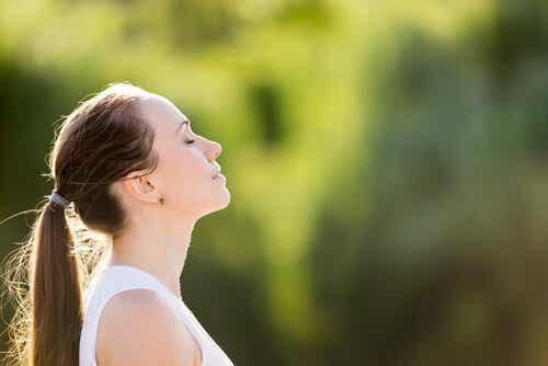 3 Exercises to Relieve Anxiety in a Few Minutes