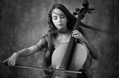 quotes-by-beethoven-girl-playing-violin