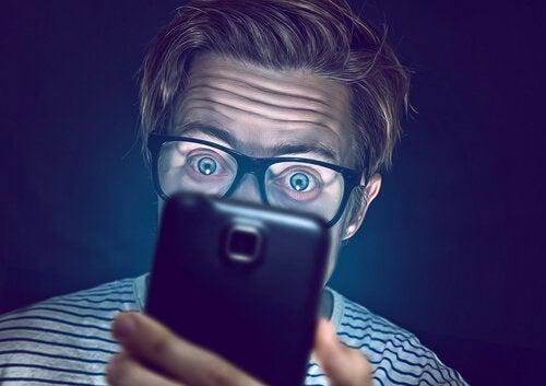 A man addicted to WhatsApp.