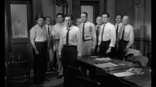 12 Angry Men: How a Leader Can Change a Group's Opinion