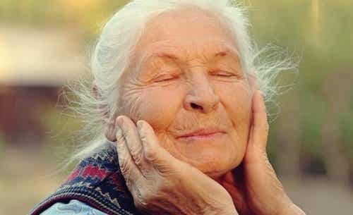Regulating Emotions in Old Age: The Key to Wellbeing