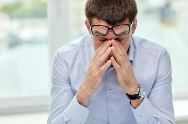 High environmental sensitivity can cause headaches.
