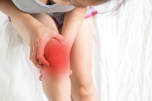 A person with knee pain.