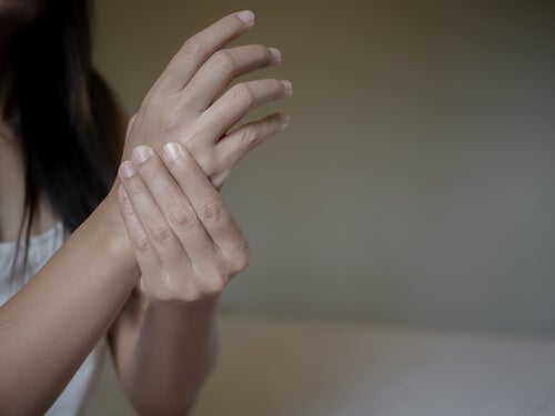 The Relationship Between Rheumatoid Arthritis and Negative Emotions