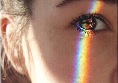 A rainbow on the eye representing aesthetic intelligence.