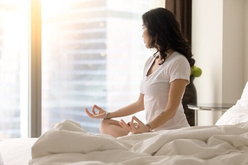 The miracle morning suggests you practice meditation every day.