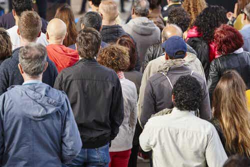 The Link Between Social Class and Dehumanization