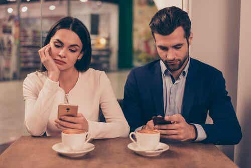 Cell Phones Can Damage Relationships and Cause Lack of Empathy