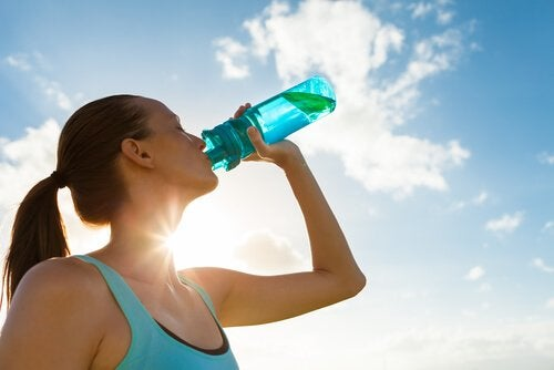 Five Reasons to Start Drinking More Water