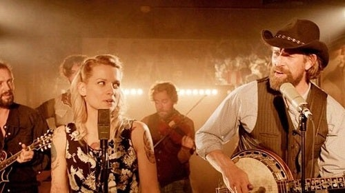 The protagonists singing in Alabama Monroe.