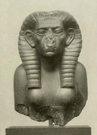 A statue of Sobekneferu.