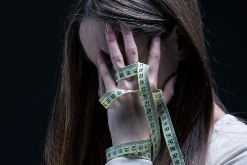 Anorexia and Self-Harm: Symptoms and Treatment