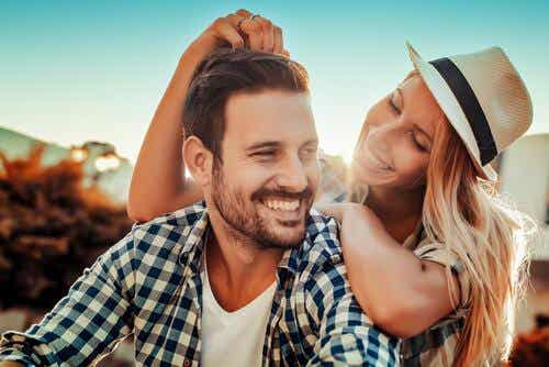 How to Differentiate Between Love and Friendship