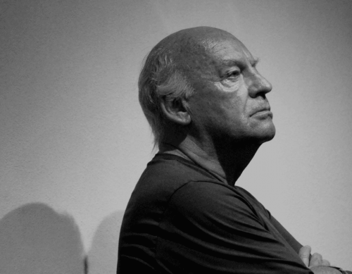 Eduardo Galeano in black and white.