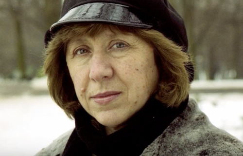 A portrait of Svetlana Alexievich.