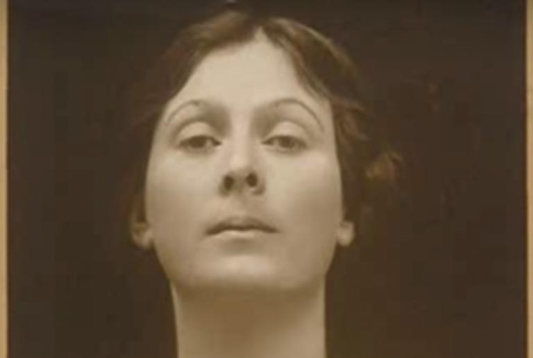 Biography of Isadora Duncan, Founder of Modern Dance