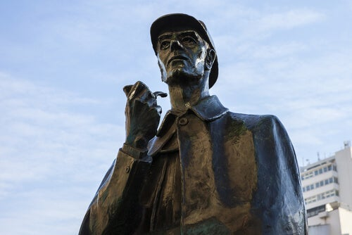 A statue of Sherlock Holmes.