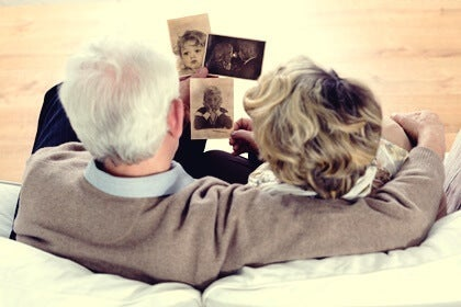 Reminiscence Therapy: Healing with Memories