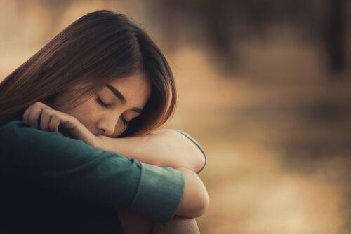 A sleepy woman.