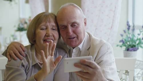 Staying in Touch with Grandparents during the Lockdown