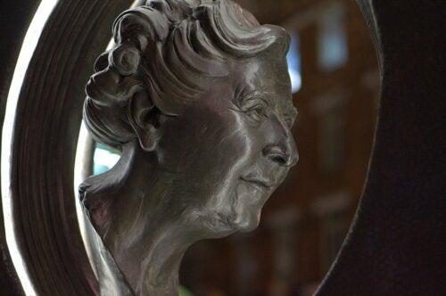 A bust of Agatha Christie.