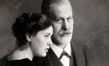 When Sigmund Freud Lost His Daughter Sophie