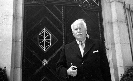 Carl Gustav Jung in black and white.