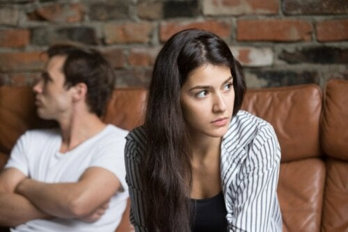 4 Warning Signs in Your Relationship