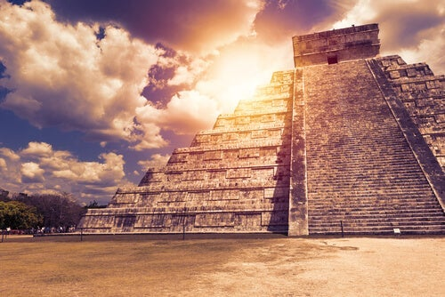 7 Maya Proverbs About Living in the Present