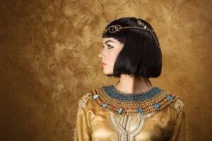 Cleopatra and the Decline of the Pharaohs