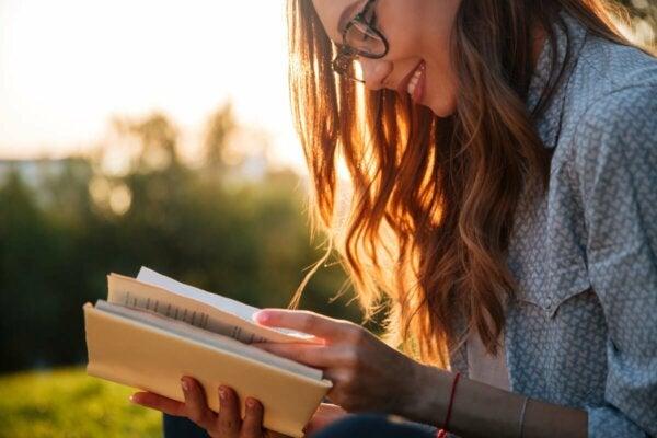 A woman reading.