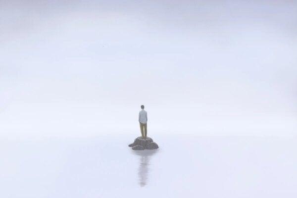 A man alone, depicting the isolation of Irvin Yalom.