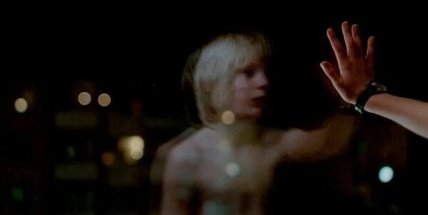 A scene from Let The Right One In.