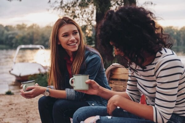 Two friends having coffee.