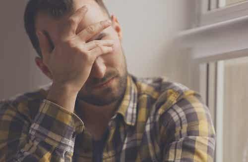 An image of an anxious man.
