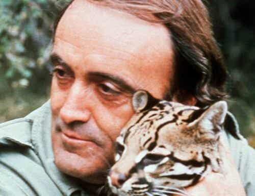 Félix Rodríguez krammer en gepard