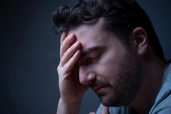A stressed man who may benefit from grounding.
