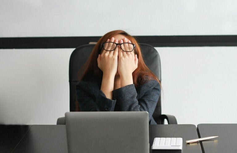 Seven Signs That Mean You're Working Too Hard